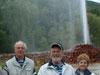 Vor dem Kaltwasser-Geysir in Andernach